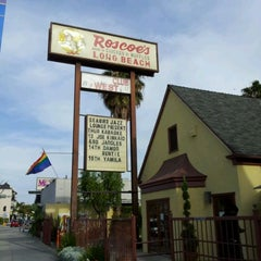 Photo taken at Roscoe's House of Chicken and Waffles - Long Beach by Rick L. on 4/12/2012