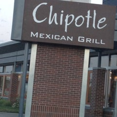 Photo taken at Chipotle Mexican Grill by Alexa on 7/30/2012