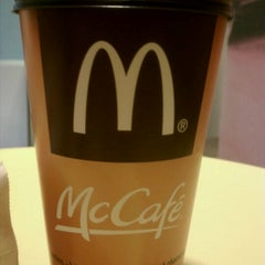 Photo taken at McDonald's by Jannette F. on 10/27/2011