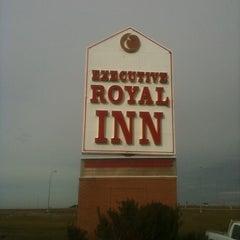 Photo taken at Executive Royal Inn by Wong K. on 9/13/2011