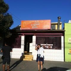 Photo taken at Sandwicheria El sabor de Toñito by cesar ricardo a. on 4/2/2012