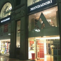 Photo taken at Mondadori Multicenter by Marcello G. on 9/26/2011