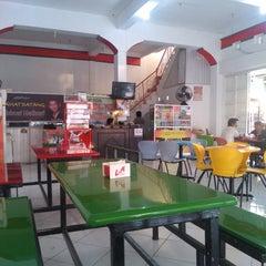 Photo taken at Café Muda-Mudi by Oki H. on 5/26/2012