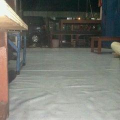 Photo taken at Bebek Goreng Chichi by Hilma K. on 11/19/2011