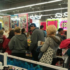 Photo taken at Old Navy by Steve T. on 11/25/2011