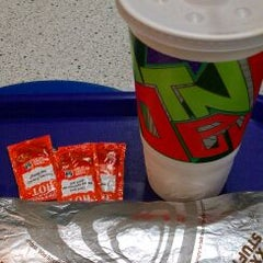 Photo taken at Taco Bell by Eddie R. on 12/12/2011