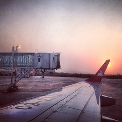 Photo taken at Aeroporto Internacional de Maputo by Kaysha on 8/27/2012