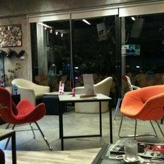 Photo taken at Kebb Café by Pichaya T. on 2/16/2011