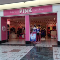 Photo taken at Victoria's Secret PINK by Tubby T. on 9/9/2012