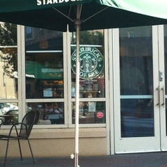 Photo taken at Starbucks by Cristian S. on 5/22/2012