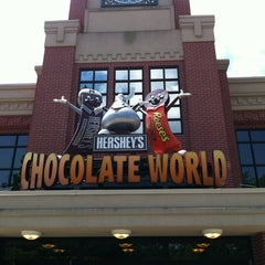 Photo taken at Hershey's Chocolate World by Bernardo T. on 6/25/2012
