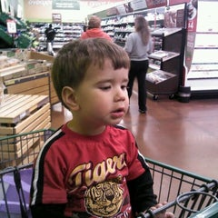 Photo taken at Fresh & Easy Neighborhood Market by Cathy N. on 4/12/2012