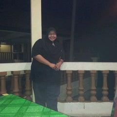 Photo taken at Kuala Gula Sanctuary Resort by Hasmizi on 3/25/2012