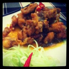 Photo taken at Ếch Xanh Restaurant by Vivian N. on 4/9/2012