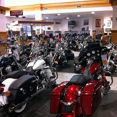 Photo taken at Jim's Harley-Davidson of St. Petersburg by Szilárd S. on 2/27/2012