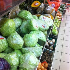Photo taken at Sri Kota Supermarket by Riz on 7/7/2012