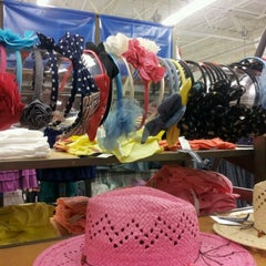 Photo taken at Old Navy by Jessica L. on 7/19/2012
