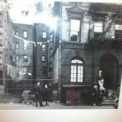 Photo taken at Lower East Side Tenement Museum by Emily H. on 7/8/2012