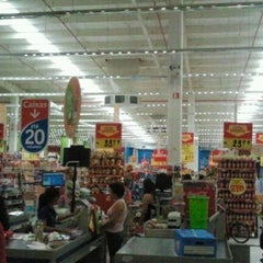 Photo taken at Extra by ANDRÉ B. on 3/24/2012