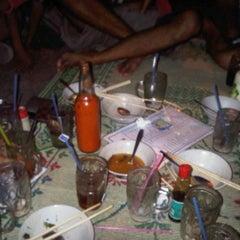Photo taken at Cafe Sedap Malam by Alkohol1c N. on 4/23/2012
