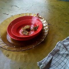 Photo taken at Rumah Makan Juma Jambu by Natan N. on 5/1/2012
