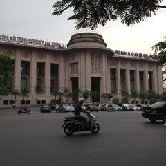 Photo taken at Ngân Hàng Nhà Nước Việt Nam. by Quang Trung N. on 6/21/2012