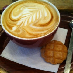 Photo taken at Inspire Coffee Company by Ralf V. on 4/4/2012