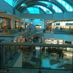 Photo taken at Shopping Tacaruna by Humberto J. on 5/27/2012