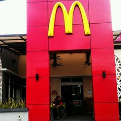 Photo taken at McDonald's Kota Bharu Drive Thru by Chiku K. on 3/14/2012
