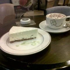 Photo taken at Cheesecake, Etc. by Jenniveth Natasha H. on 4/15/2012
