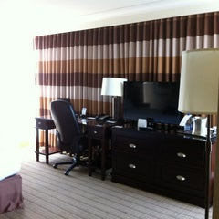 Photo taken at Hilton Niagara Falls/Fallsview Hotel & Suites by Laura S. on 7/16/2012