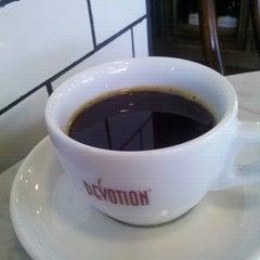 Photo taken at Devotion Cafe Hilton Bogota by Ivan V. on 6/9/2012