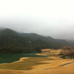 Photo taken at ゴールデンバレーゴルフ倶楽部 by k-hiro on 3/6/2012