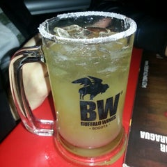 Photo taken at Buffalo Wings by Wehdeking on 8/25/2012
