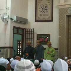 Photo taken at Masjid Al-Ridhuan by Nur Islam N. on 8/12/2012