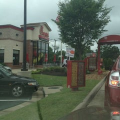 Photo taken at Chick-fil-A by Jessica 🍀 on 7/21/2012