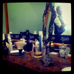 Photo taken at Barber Shop 1900 by Nikolas C. on 8/11/2012