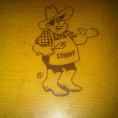 Photo taken at Sonny's BBQ by Daniel R. on 9/8/2012