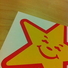 Photo taken at Carl's Jr. by Oli T. on 2/24/2012