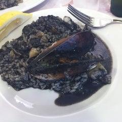 Photo taken at Restaurante Pizzería Isoletta by David R. on 8/5/2012