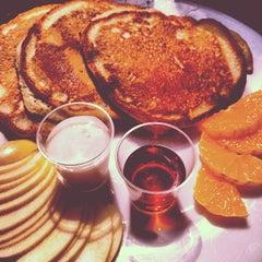 Photo taken at Atlas Pancakes by Jannis on 4/21/2012