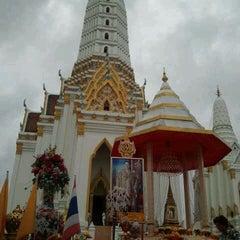 Photo taken at วัดพิชยญาติการาม (วัดพิชัยญาติ) Wat Phichaiyatikaram by Piyathida L. on 5/5/2012