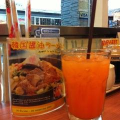 Photo taken at Oishi Ramen (โออิชิ ราเมน) by NUbell C. on 5/24/2012