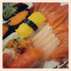 Photo taken at Oishi Buffet (โออิชิ บุฟเฟ่ต์) by Teppalak V. on 7/17/2012