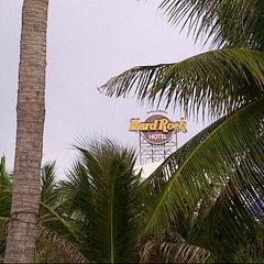Photo taken at Hard Rock Cafe Pattaya by Wendz K. on 8/19/2012