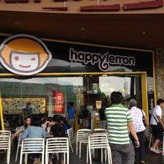 Photo taken at Happy Lemon by Kristine L. on 2/12/2012