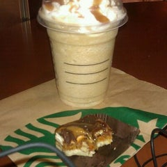 Photo taken at Starbucks by LyNette M. on 2/15/2012