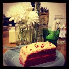 Photo taken at Fat Spoon Café by Elina E. on 8/2/2012