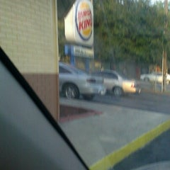 Photo taken at Burger King® by MasterQueenBoss on 9/6/2012