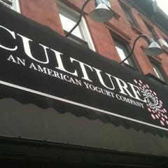 Photo taken at Culture: An American Yogurt Company by rocío aracelis ú. on 3/15/2012